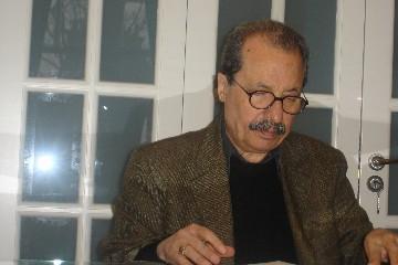 محمود خوشنام : يادداشت هائی پراکنده در زبان و طنز مهشيداميرشاهی ـ از «آب حيات» تا «زهر هَلاهِل»